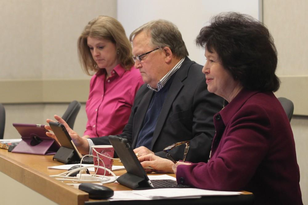 GVL / Jessica HollenbeckProvost Gayle Davis gives her report at the ECS Meeting on Friday.