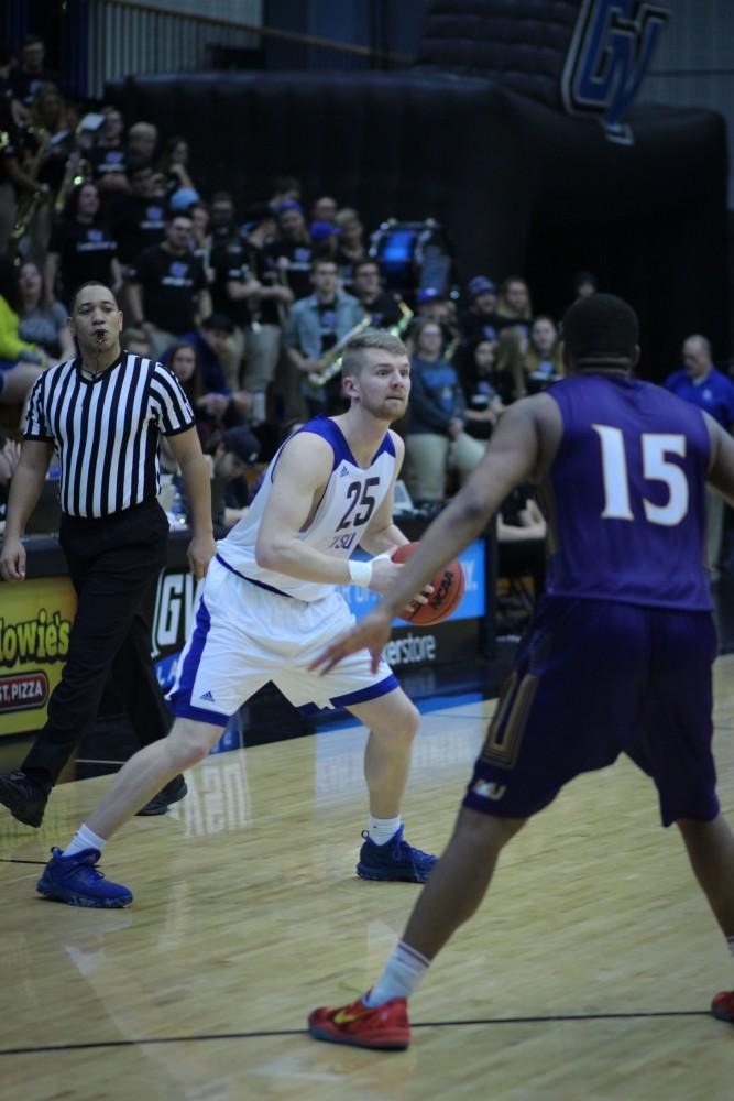 Senior guard Ben Lubitz gets admitted into nursing school, leads GVSU basketball by example
