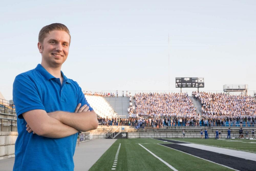 GVSU alumnus donates cleanup services at football game