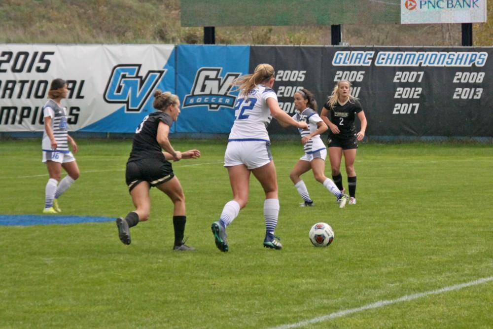<p>GVSU Girl's Soccer Team facing Purdue Northwest in the GLIAC Tournament on October 30th, 2018.  GVL / Emily Modloff</p>