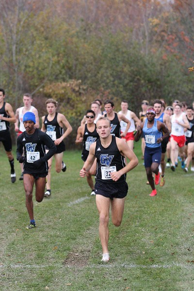 No. 1 and No. 3 ranked XC teams set sights on regionals