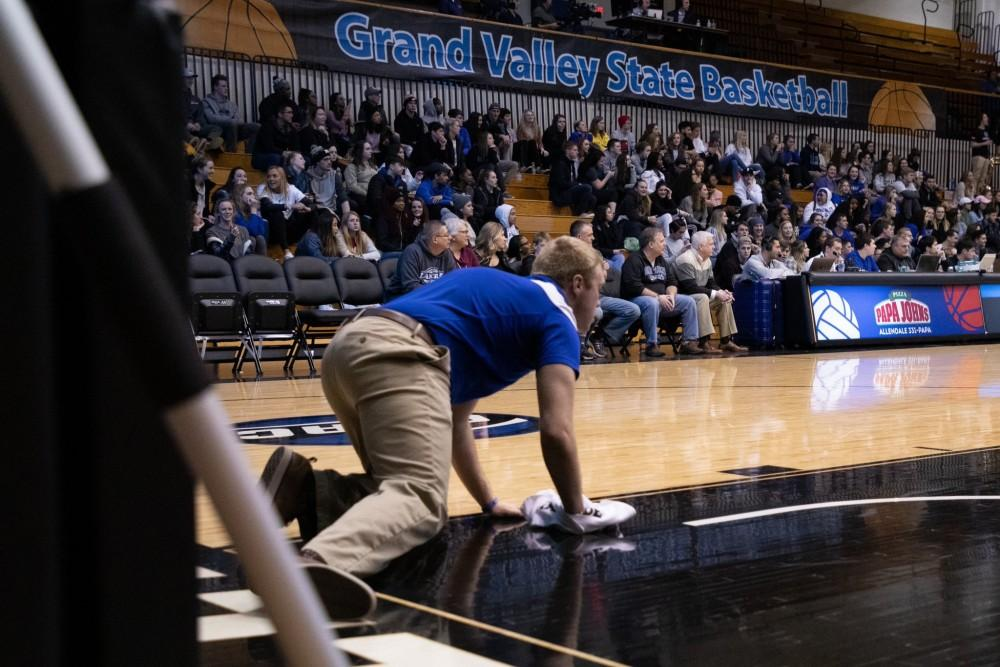 Tenacious 'D': GVSU men's basketball uses defensive effort to win home opener
