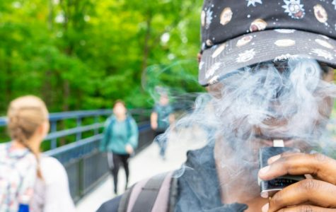 Michigan bans flavored vaping products after increase in health issues