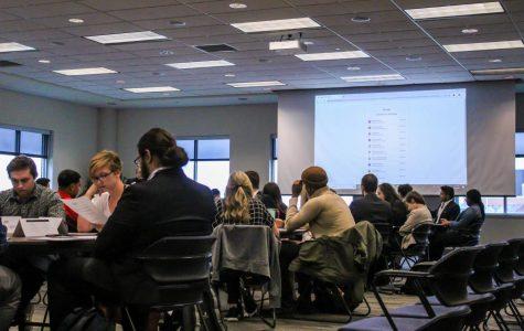 Student Senate omits, reinstates Pledge of Allegiance