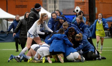The GVSU Soccer team celebrate following their 2OT victory against Western Wash. //COURTESY: gvsulakers.com