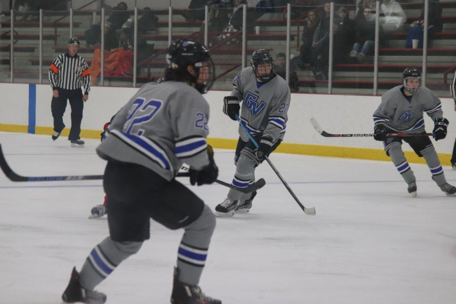 Men's D3 hockey team adapts to new club sports guidelines