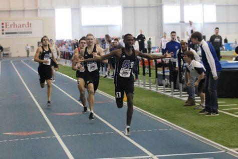 GVSU Track & Field team split up to compete in Akron, Notre Dame