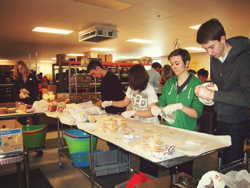 Couretsy / Hunger and Homelessness of GVSUGVSU students volunteering at the Kids Food Basket in downtown Grand Rapids.