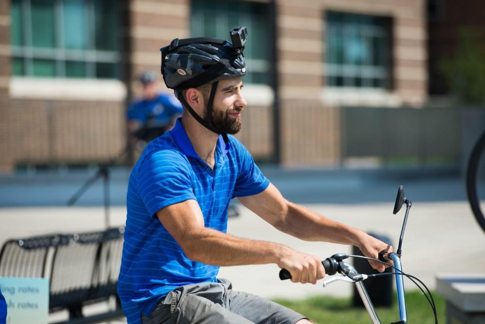 GVL / Luke Holmes - Youseff Darwich sets off on his bike.