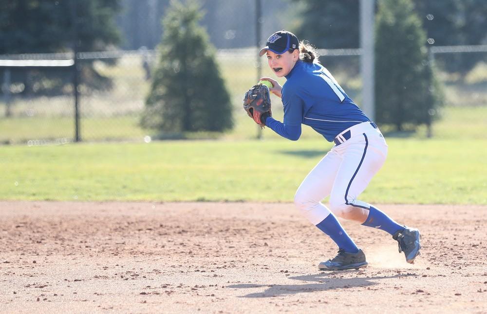 GVSU softball kicks off new season with split tournament results