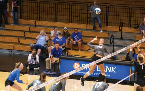 GVSU Volleyball drops both games during season's opening weekend