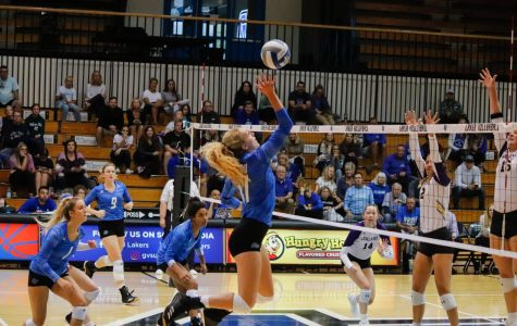 GVSU's volleyball team goes 6-0 on the road this weekend