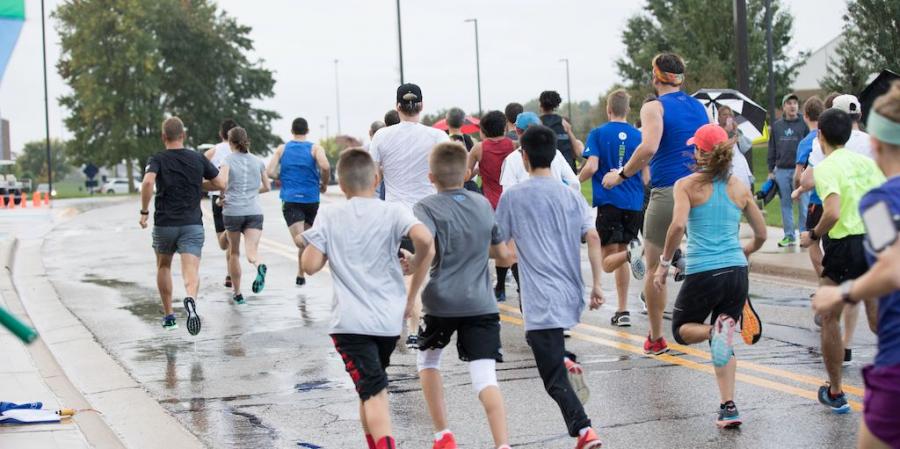 COURTESY \ Campus Activities Board Last year's Family Weekend 5k Run/Walk.