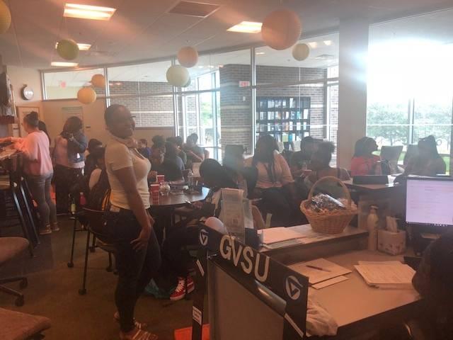 Niara Program mentors women students of color