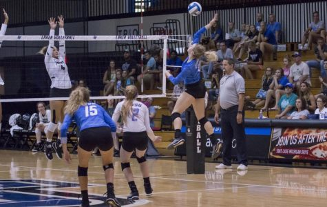 GVSU's volleyball team splits weekend tournament with two wins and two losses