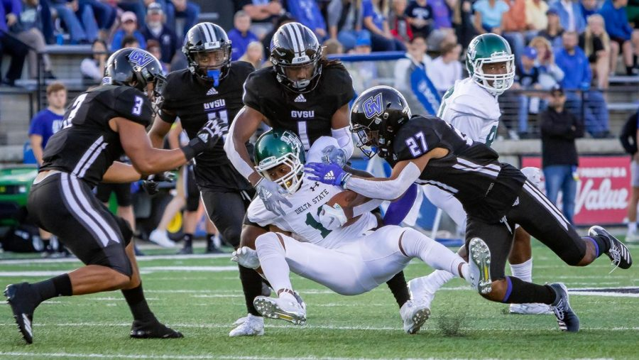 Senior+linebacker+Isaiah+Nkansah+leads+GVSU%E2%80%99s+defense