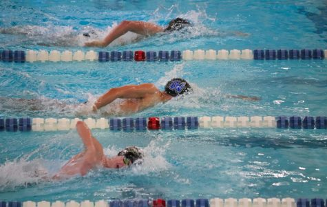 GVSU Swimming & Diving edges Milwaukee