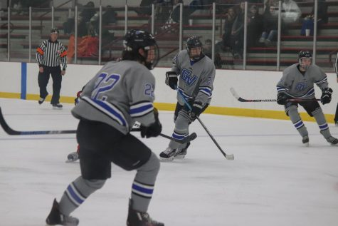 Mens D3 hockey team adapts to new club sports guidelines