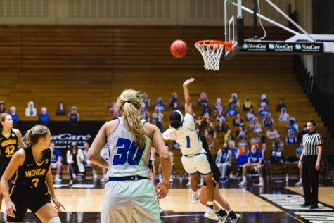 GV Women's Basketball loses on buzzer beater, fall to second in GLIAC behind Tech
